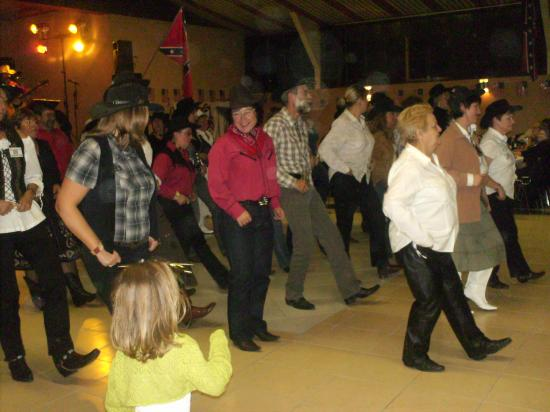 Le Grandvilliers Country Dance
